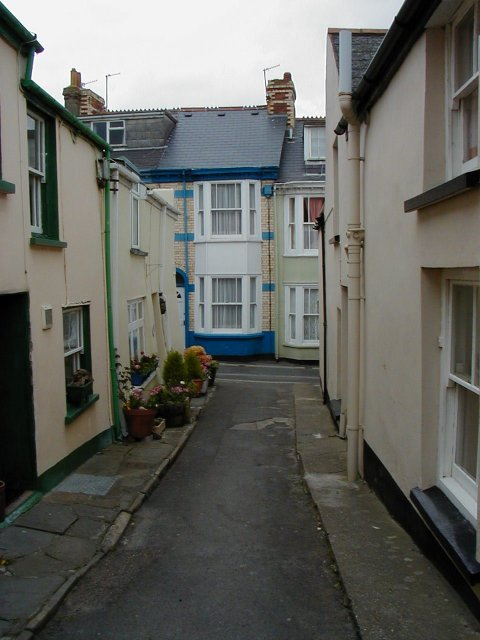 Off Irsha Street, Appledore